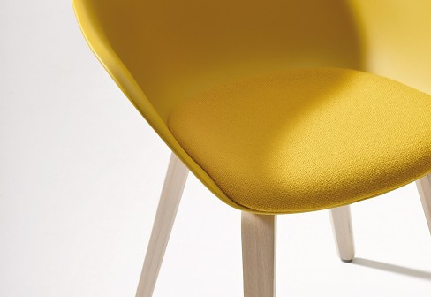 Lievore Altherr Molina Duna 02 Chair With Wooden Legs