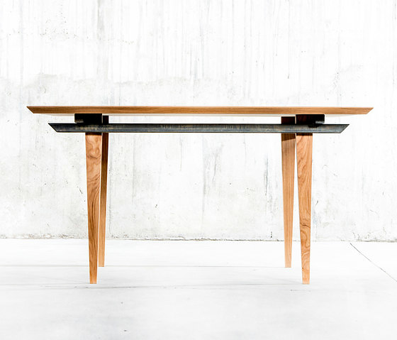 QoWood Indo Table