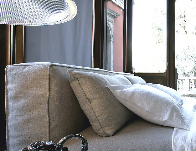 ADP Design Caresse Bed