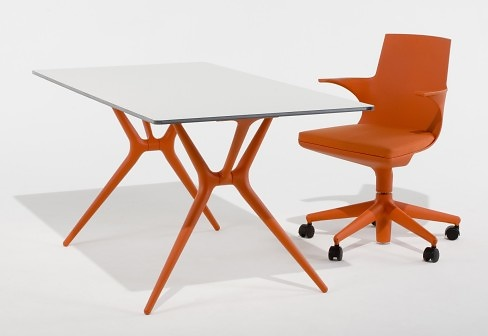 Antonio Citterio and Toan Nguyen Spoon Table
