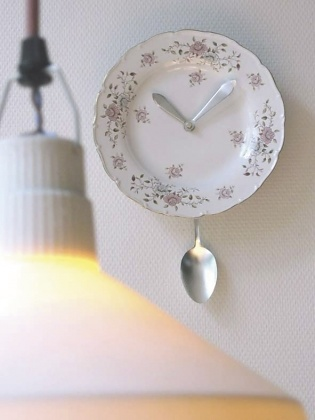 Chris Koens Kitschen Clock
