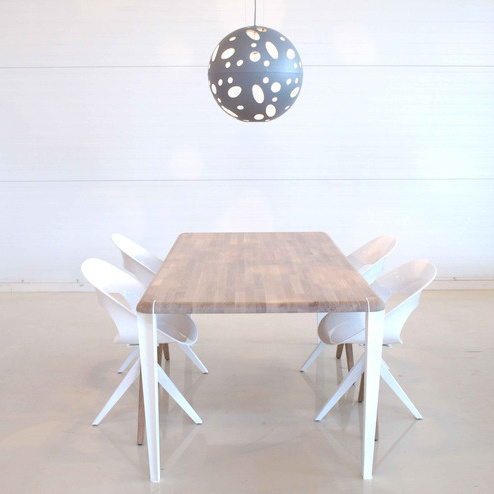 Dutchglobe Oak Table