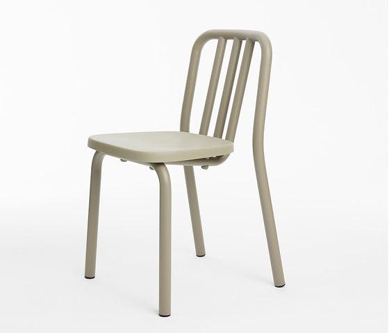 Eugeni Quitllet Tube Chair