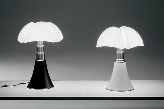 gae aulenti pipistrello lamp. Black Bedroom Furniture Sets. Home Design Ideas