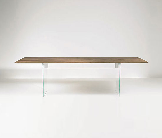 Gil Coste Fly Table