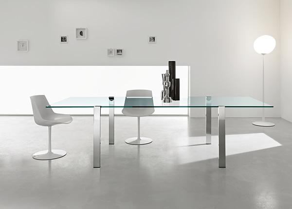 Giulio Mancini Livingstand table
