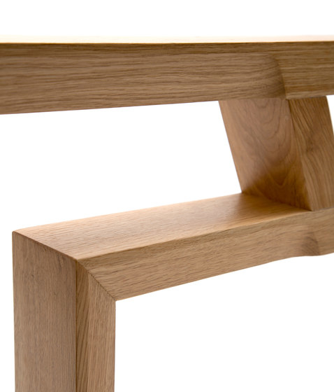 Jouni Leino In-tensive Table