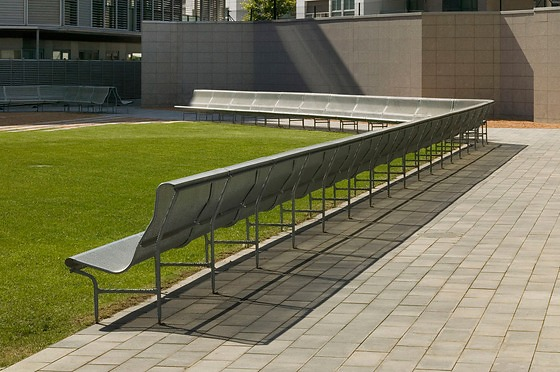 Lluis Clotet and Oscar Tusquets Blanca Perforano Bench