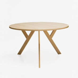 Love Neuschütz Ypsilon Table