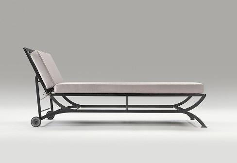 Luigi caccia dominioni nonaro chaise longue for Chaise longue 200 cm