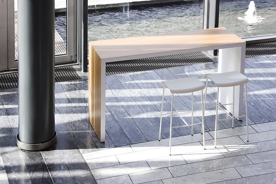 Magnus Olesen Meeting Bar Table