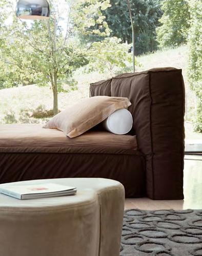 Mauro Lipparini Fluff Bed