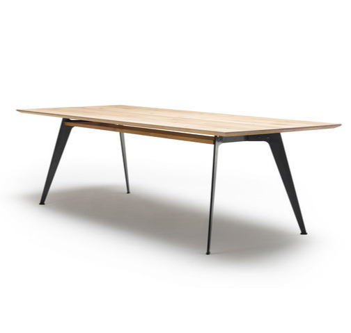 Nissen & Gehl Mdd Gm 3100 Clipper Table