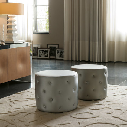Opera Design Snap Stool
