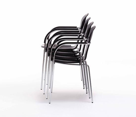 Oscar Tusquets Blanca Minivarius Chair