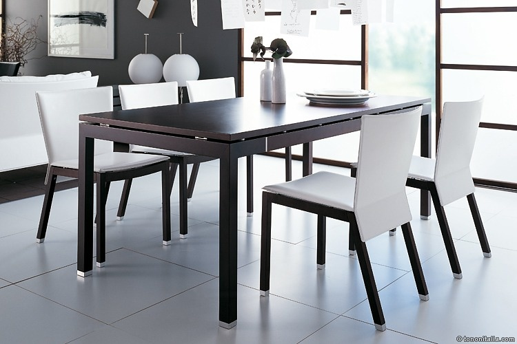 Peter Maly Sella Table