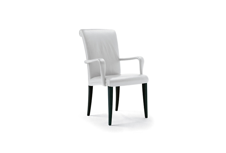 Poltrona Frau Vittoria Chair Series