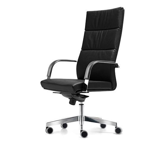 Quinti Senator Chair