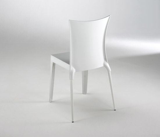 Robby Cantarutti and Francesca Petricich Jo Chair
