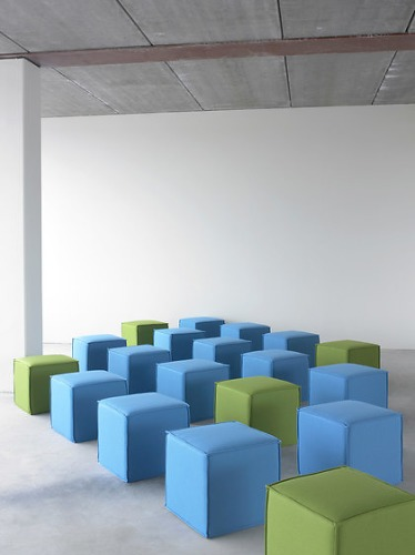 Softline Space Pouf