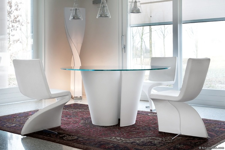Stefan Heiliger Twister Table