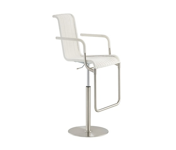 TECTA D32 Bar Chair With Armrests