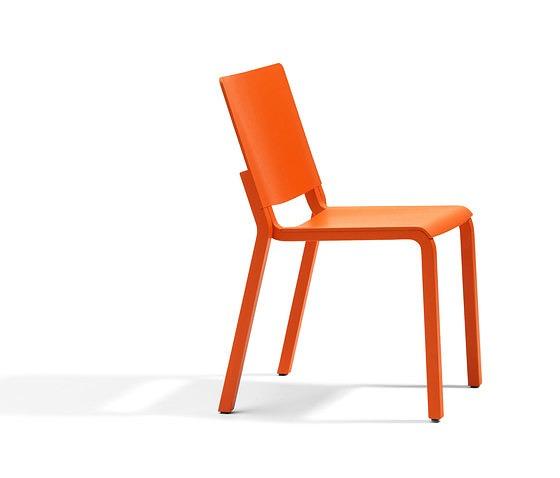 Thomas Bernstrand Vivi Chair